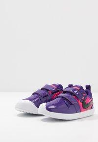 Nike Performance - PICO 5 AUTO - Trainings-/Fitnessschuh - court purple/black/laser crimson/fire pink - 3