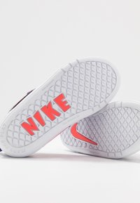 Nike Performance - PICO 5 AUTO - Trainings-/Fitnessschuh - court purple/black/laser crimson/fire pink - 6