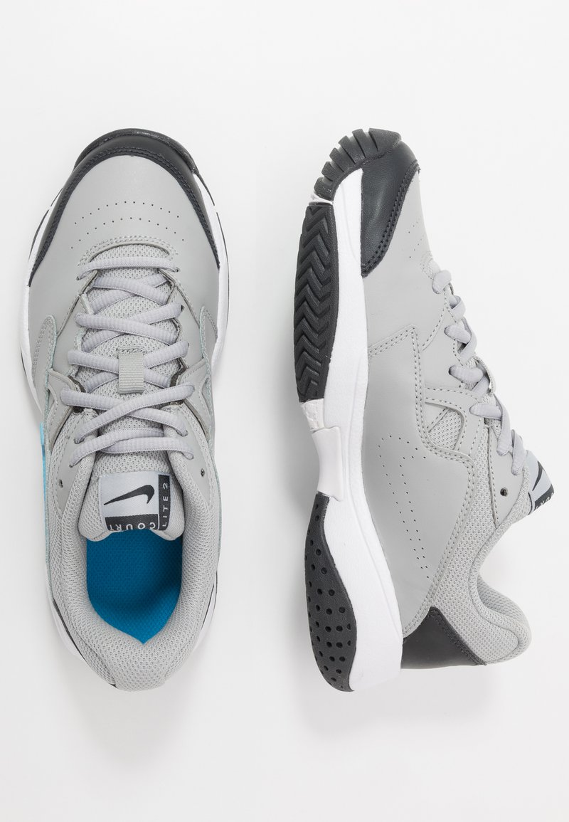 Nike Performance - COURT LITE 2 - Tenisové boty na všechny povrchy - light smoke grey/blue hero/off noir/white