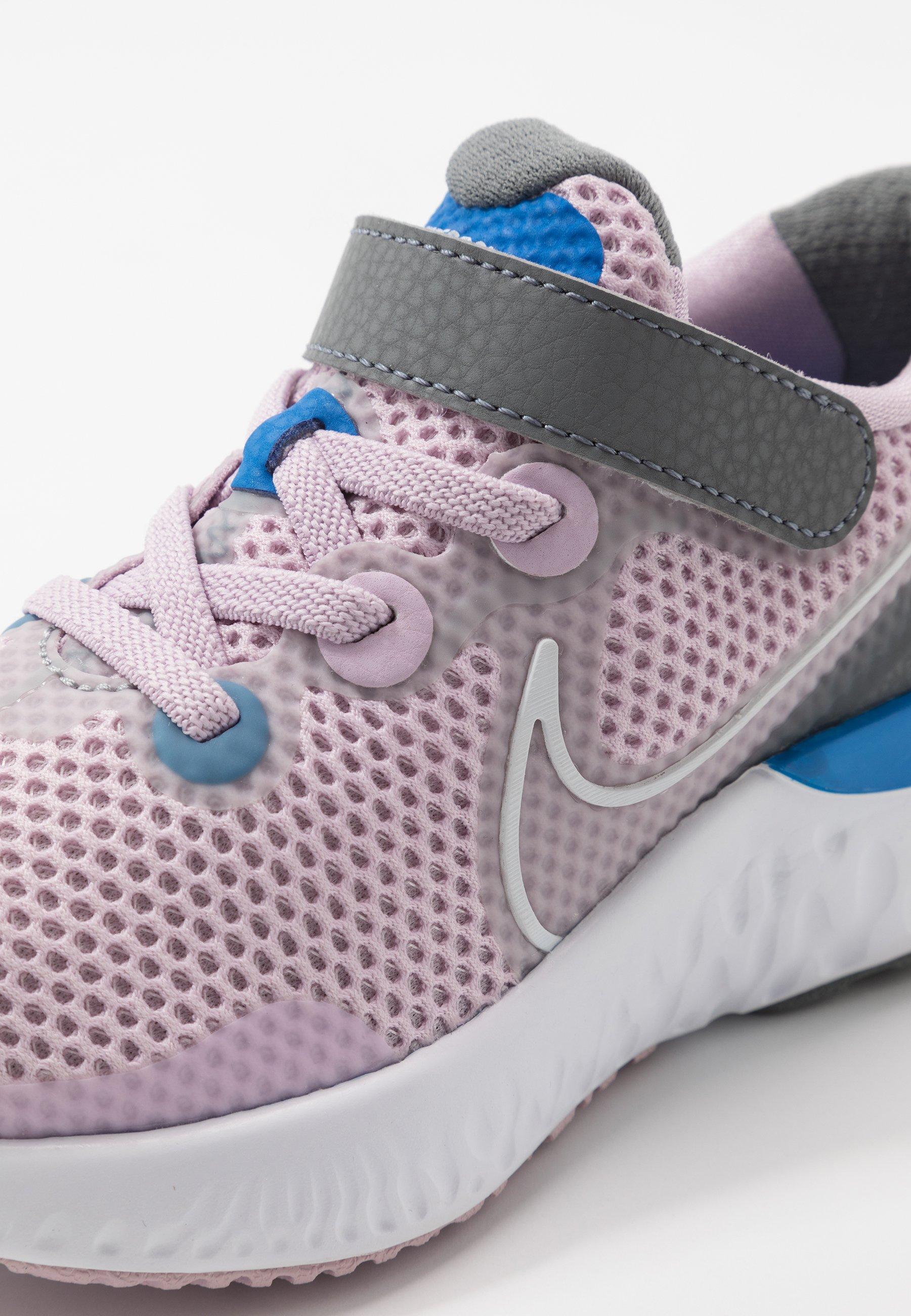 Nike Performance RENEW RUN - Obuwie do biegania treningowe - iced lilac/white/smoke grey/light smoke grey