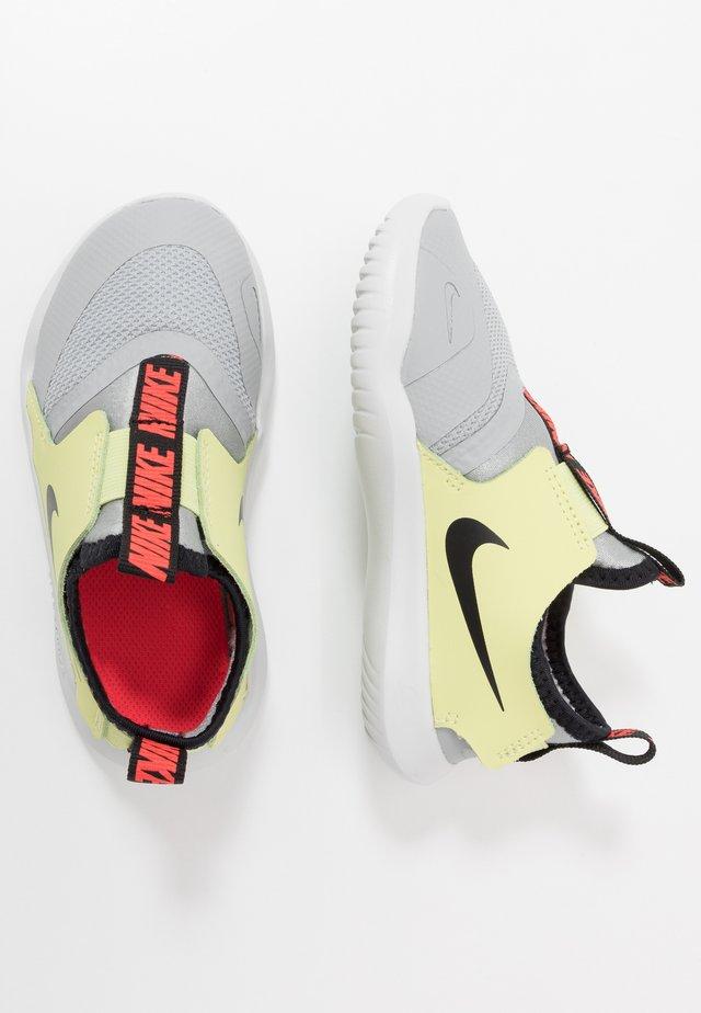 FLEX RUNNER - Neutral running shoes - light smoke grey/black/limelight/photon dust