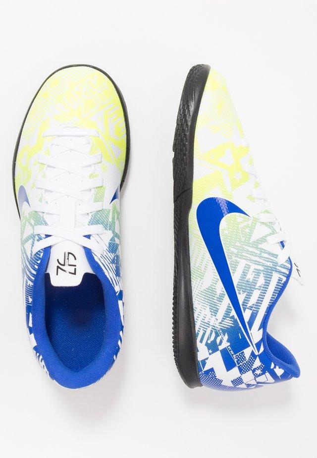 VAPOR 13 CLUB NEYMAR IC - Indendørs fodboldstøvler - white/racer blue/volt/black