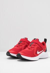 Nike Performance - DOWNSHIFTER 10 - Obuwie do biegania treningowe - universe red/white/black - 3