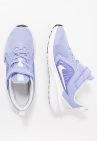 Nike Performance - DOWNSHIFTER 10 - Neutrální běžecké boty - light thistle/white/photon dust/black - 0