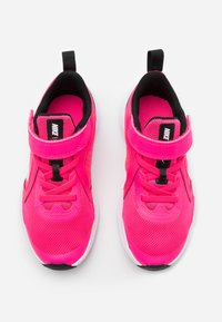 Nike Performance - DOWNSHIFTER 10 - Obuwie do biegania treningowe - hyper pink/white/black - 3