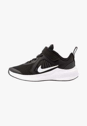DOWNSHIFTER 10 - Neutrální běžecké boty - black/white/anthracite
