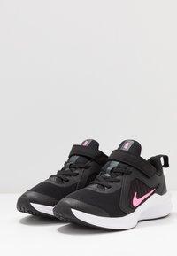 Nike Performance - DOWNSHIFTER 10 - Obuwie do biegania treningowe - black/pink glow/anthracite/white - 3