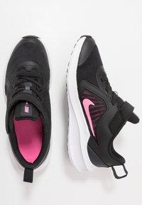 Nike Performance - DOWNSHIFTER 10 - Obuwie do biegania treningowe - black/pink glow/anthracite/white - 0