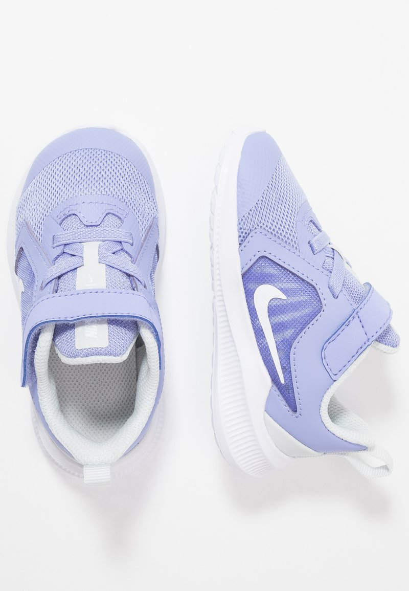 Nike Performance - DOWNSHIFTER 10 - Obuwie do biegania treningowe - light thistle/white/photon dust/black