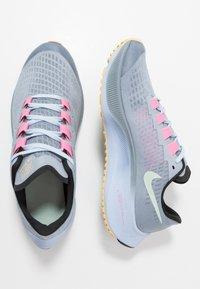 Nike Performance - AIR ZOOM PEGASUS 37  - Zapatillas de running neutras - obsidian mist/hydrogen blue/black/lotus pink - 0