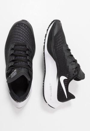 AIR ZOOM PEGASUS 37  - Neutrální běžecké boty - black/white