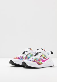 Nike Performance - REVOLUTION 5 FABLE - Neutral running shoes - white/fire pink/blue fury - 3