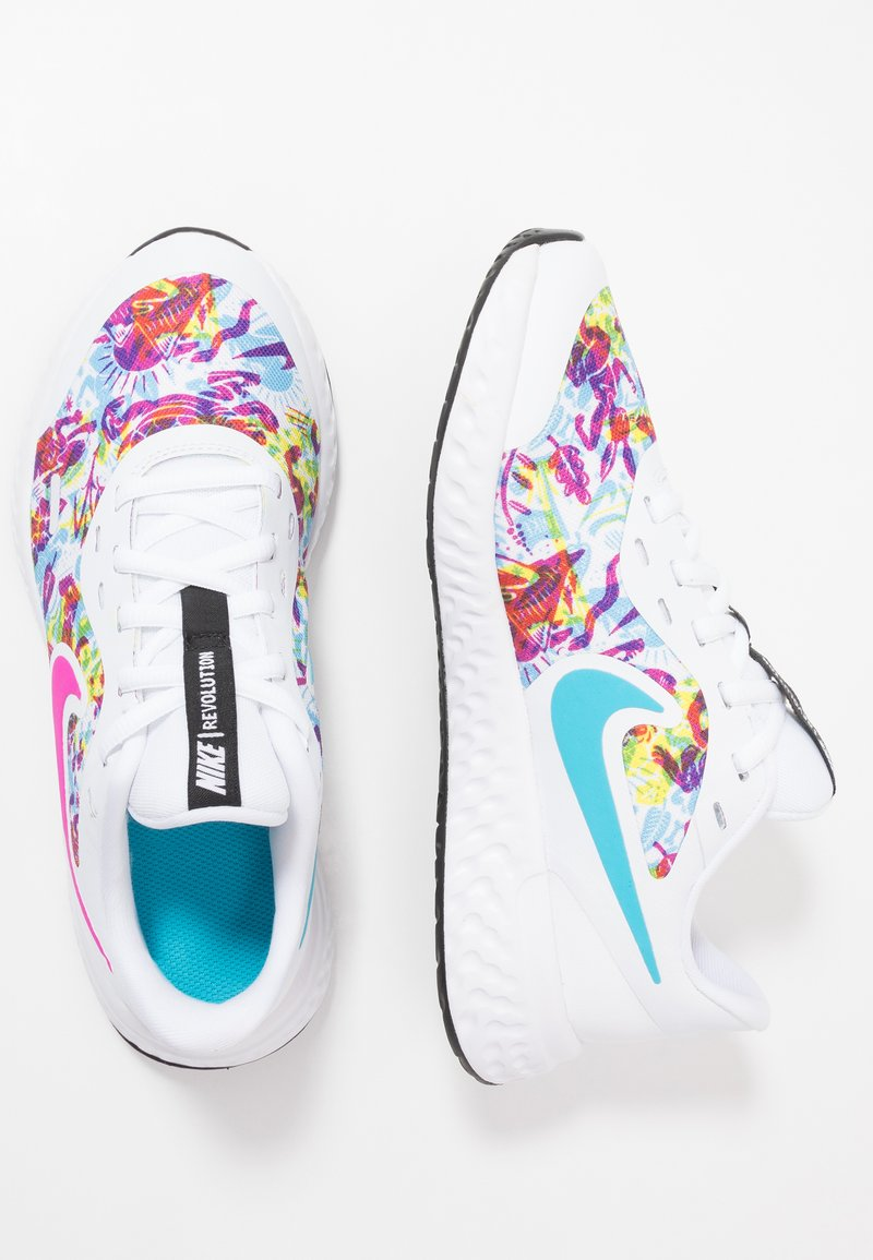 Nike Performance - REVOLUTION 5 FABLE - Obuwie do biegania treningowe - white/fire pink/blue fury