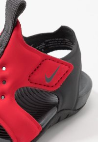 Nike Performance - SUNRAY PROTECT - Obuwie do sportów wodnych - university red/anthracite/black - 2
