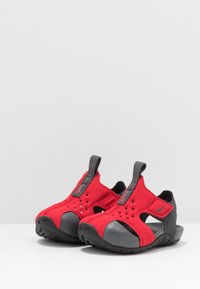 Nike Performance - SUNRAY PROTECT - Watersports shoes - university red/anthracite/black - 3