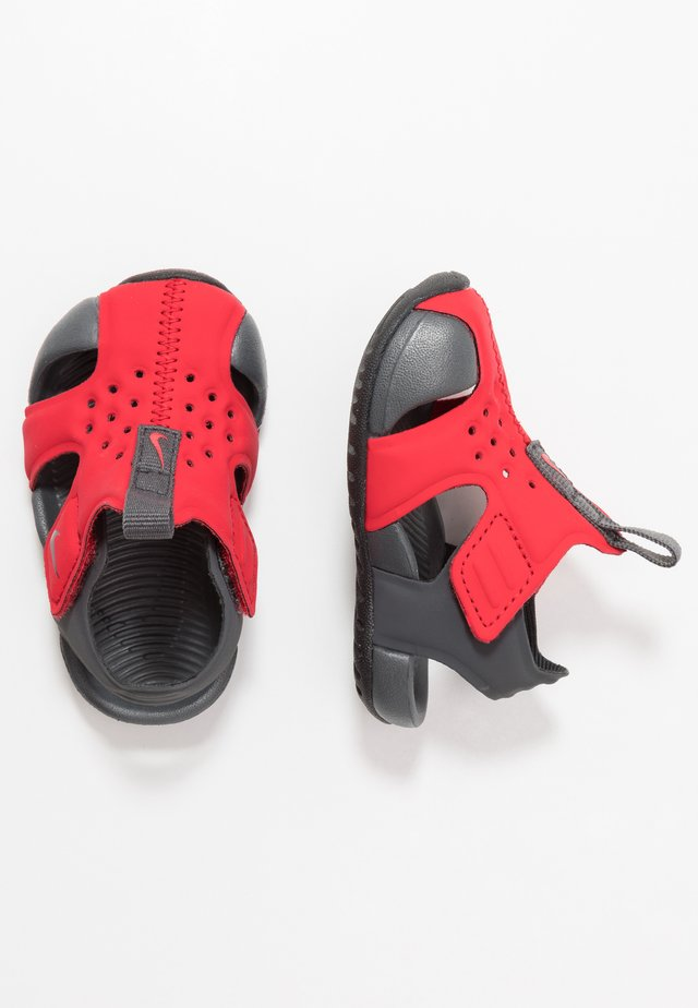 SUNRAY PROTECT - Wassersportschuh - university red/anthracite/black