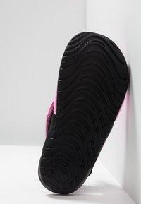 Nike Performance - SUNRAY PROTECT - Vesiurheilukengät - psychic pink/laser fuchsia/black - 5