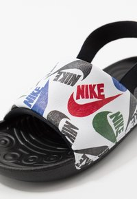 Nike Performance - KAWA SLIDE SE - Sandály do bazénu - black/white - 2