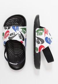 Nike Performance - KAWA SLIDE SE - Sandály do bazénu - black/white - 0