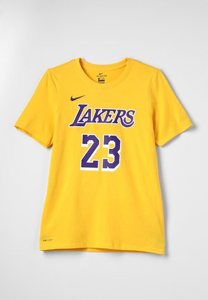 NBA LA LAKERS LEBRON JAMES NAME NUMBER TEE - Klubové oblečení - amarillo