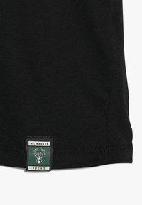 Nike Performance - NBA GIANNIS ANTETOKOUNMPO MEZZO TEE - Camiseta estampada - black - 2
