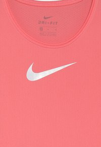 Nike Performance - T-shirt basic - pink gaze/white