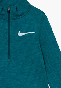 Nike Performance - RUN - T-shirt de sport - mottled teal