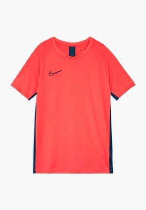 DRY ACADEMY - T-shirt con stampa - laser crimson/valerian blue
