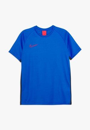 DRY ACADEMY - Sports shirt - soar/obsidian/laser crimson