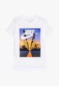 Nike Performance - TEE PALM TREE FUTURA - Print T-shirt - white - 2