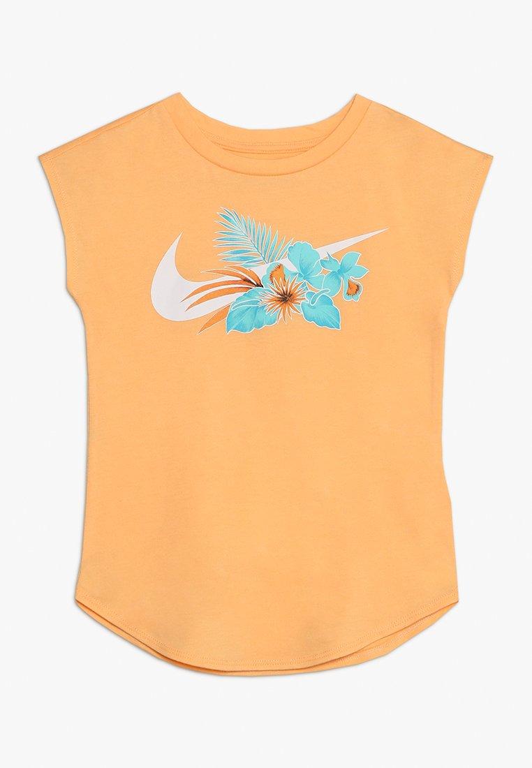 Nike Performance - WONDERLAND MODERN TEE - T-Shirt print - melon tint