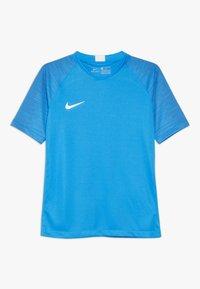 Nike Performance - T-shirt con stampa - light photo blue/coastal blue/white - 0