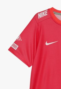 Nike Performance - NEYMAR DRY - T-shirt con stampa - laser crimson/black/white - 2