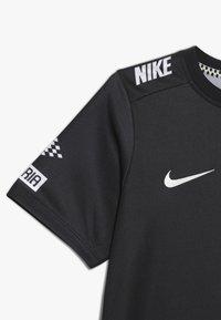Nike Performance - NEYMAR DRY - Print T-shirt - black/laser crimson - 2