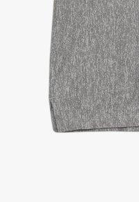 Nike Performance - CORE - T-shirt imprimé - light grey - 3