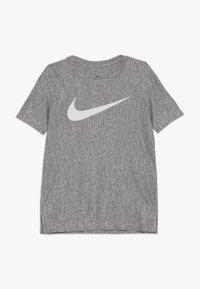 Nike Performance - CORE - T-shirt imprimé - light grey - 0