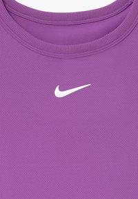 Nike Performance - G NKCT DRY TOP SS - T-Shirt basic - purple/white - 3