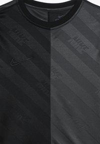 Nike Performance - DRY - T-shirt med print - black/anthracite - 3