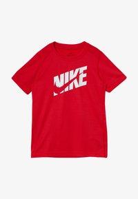 Nike Performance - T-shirt imprimé - university red/white - 2