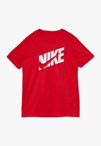 Nike Performance - T-shirt imprimé - university red/white - 0