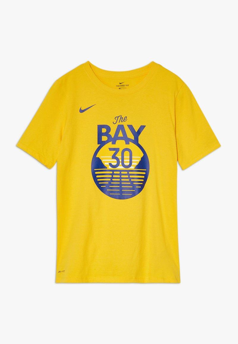 Nike Performance - NBA CURRY STEPHEN GOLDEN STATE WARRIORS STATEMENT TEE - Klubové oblečení - amarillo