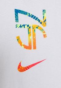 Nike Performance - NEYMAR TEE HERO - Printtipaita - white - 3