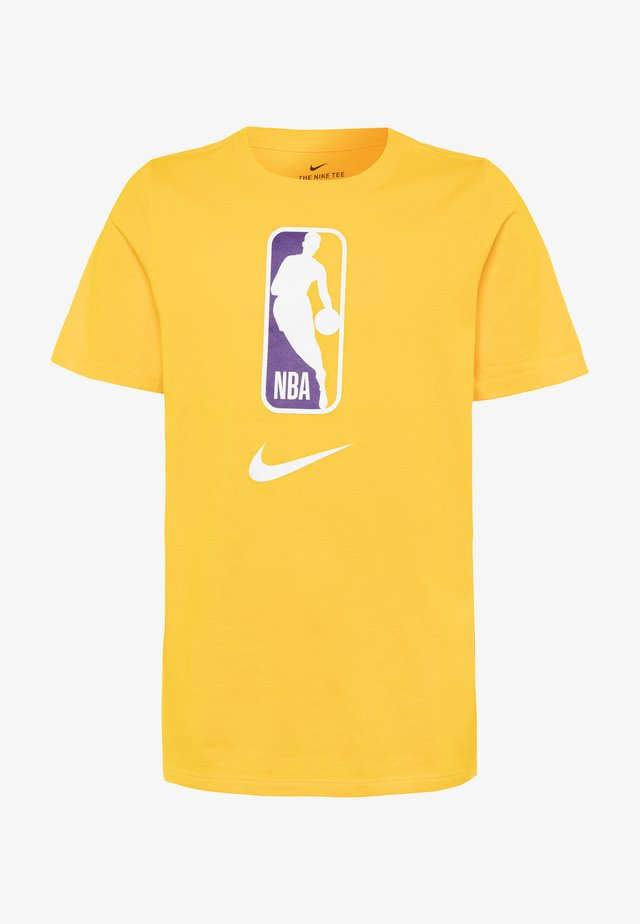 NBA LOGO MAN TEE - Triko spotiskem - amarillo