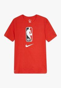 Nike Performance - NBA LOGO MAN TEE - Print T-shirt - university red - 0