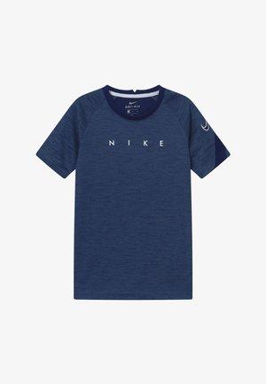 ACADEMY - T-shirt imprimé - blue void/white