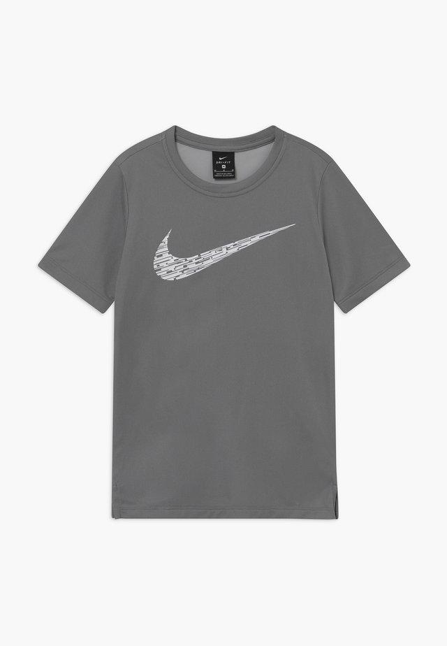 CORE - T-Shirt print - smoke grey/white