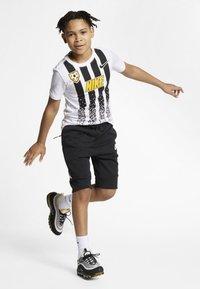 Nike Sportswear - SHORT - Kraťasy - black/white - 1