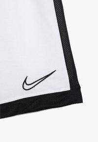 Nike Performance - DRY ACADEMY SHORT - Sportovní kraťasy - white/black - 3