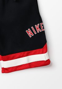 Nike Performance - AIR SHORT - Sportovní kraťasy - black/university red - 2