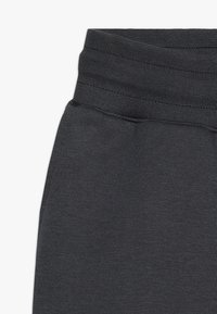 Nike Performance - ENERGY PANT KNEE - Träningsshorts 3/4-längd - anthracite/ember glow/white - 2